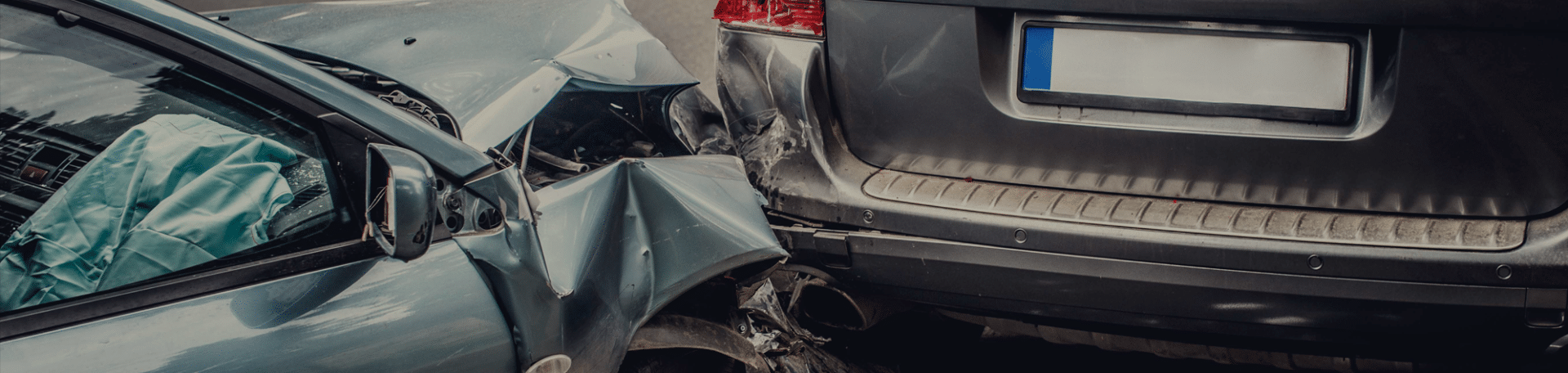 One Injured in a Car Crash at Avalon Avenue and 89th Street in Los Angeles