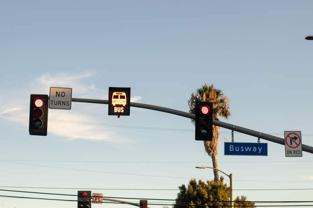 Simi Valley, CA – Five Injured in Multi-Vehicle Crash with Bus on 118 Freeway